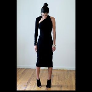 35d5bcaa323 Marcellamoda Dresses - MARCELLAMODA One- Sleeve Midi dress! LBD!